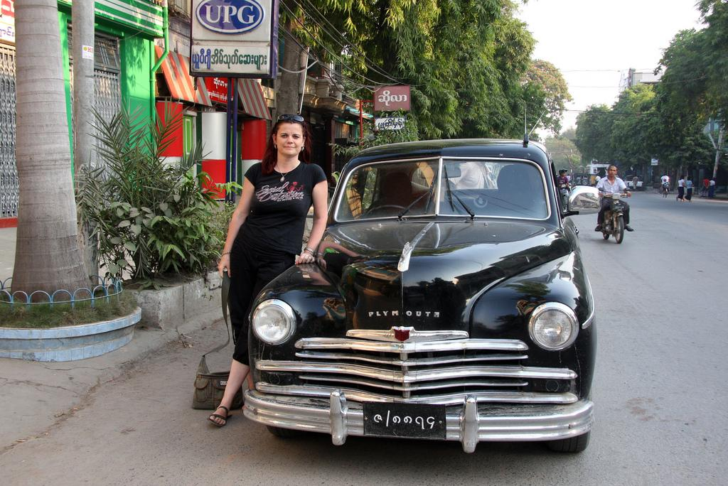 How to catch a taxi in Mandalay