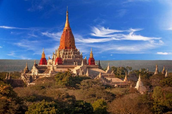 One of the big temples with amazing architecture that you should visit in Bagan